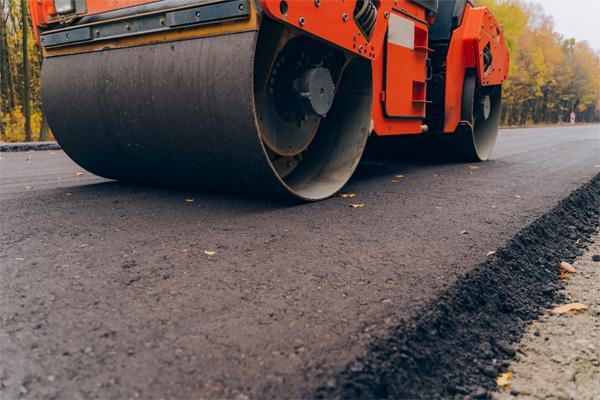 Arbeiten an der Kreisstraße R18 in Eitlbrunn sind abgeschlossen